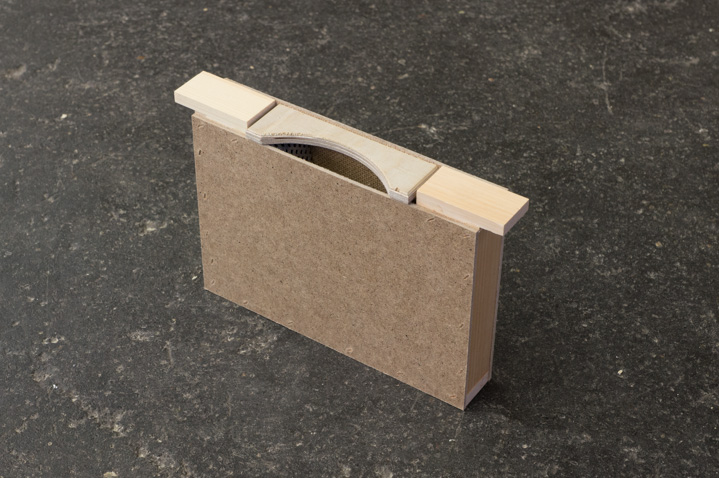 Futtertasche mit aufstiegshilfe einfache wabenbreite for Mini boden katalog bestellen